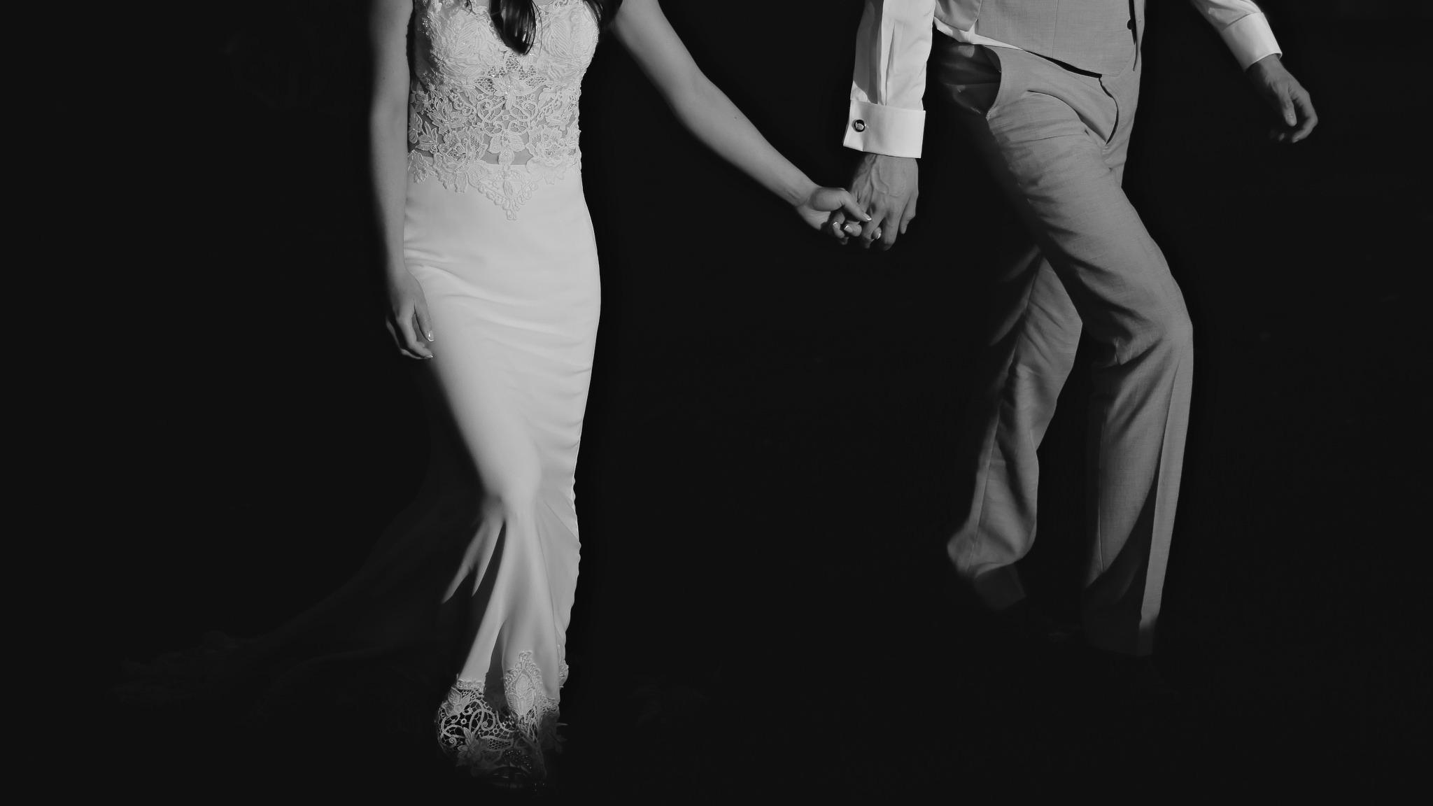 Modern Cotswolds Wedding Photographer